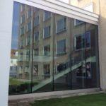 Referenzbild Bezirksregierung Detmold Glasfront