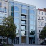 Referenzbild P7 Berlin Außenansicht – Außenansicht Gebäude seitlich, Hochformat