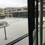 Referenzbild B3 Schule Blick aus dem Gebäude
