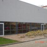 Referenzbild Fachhochschule Kiel Außenansicht mit Glaswand