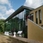 Referenzbild seitliche Ansicht Schule Heikendorf