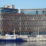 Referenzbild Stadthafen Rostock Außenansicht mit Hafen